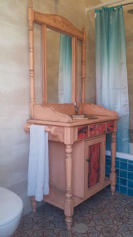ארון אמבטיה -וינטג מבט צד